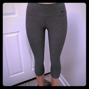 Nike Dri-Fit Capri leggings nwot